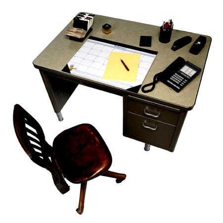 整理した机